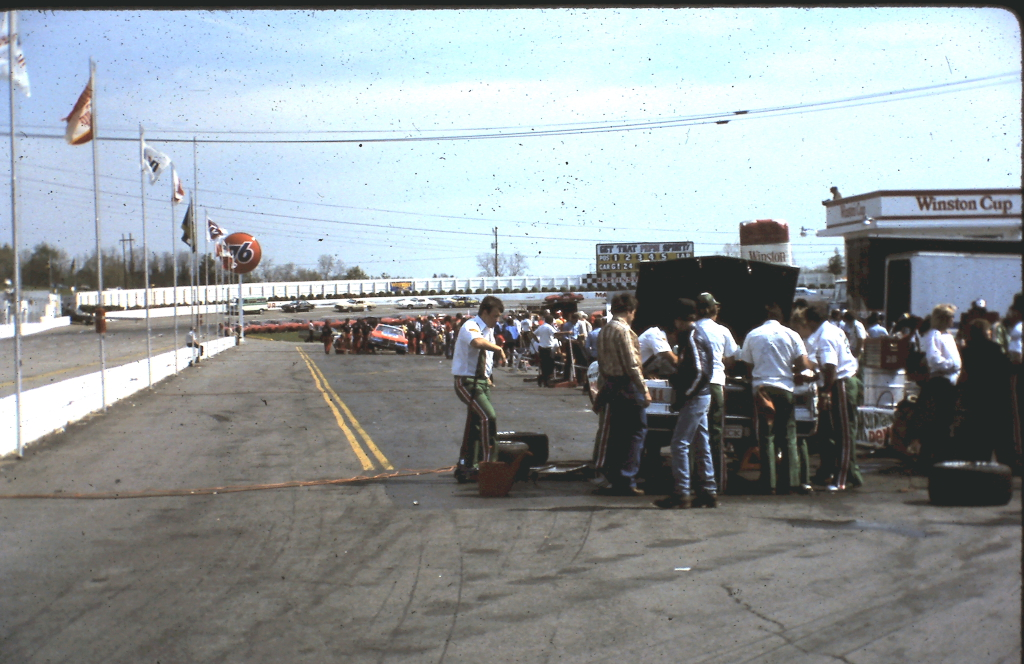 Martinsville Apr 1982 05.JPG